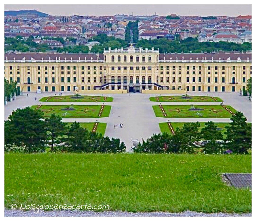 Location voiture sans carte de crédit à Vienne - Autriche