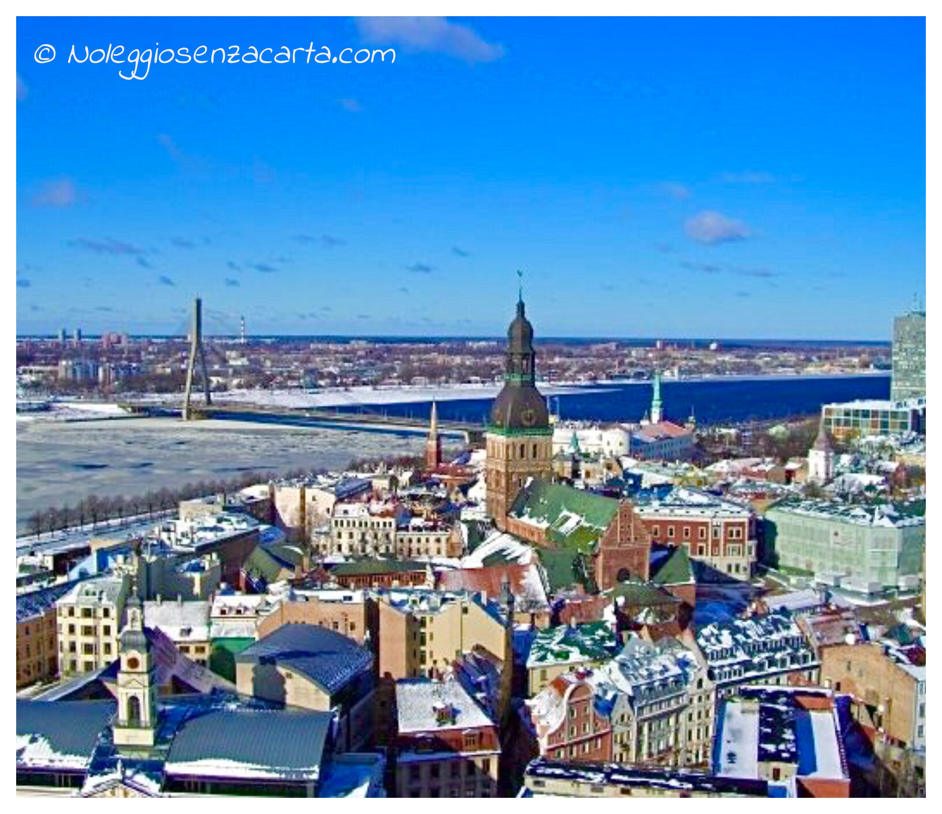 Location voiture sans carte de crédit à Riga – Lettonie