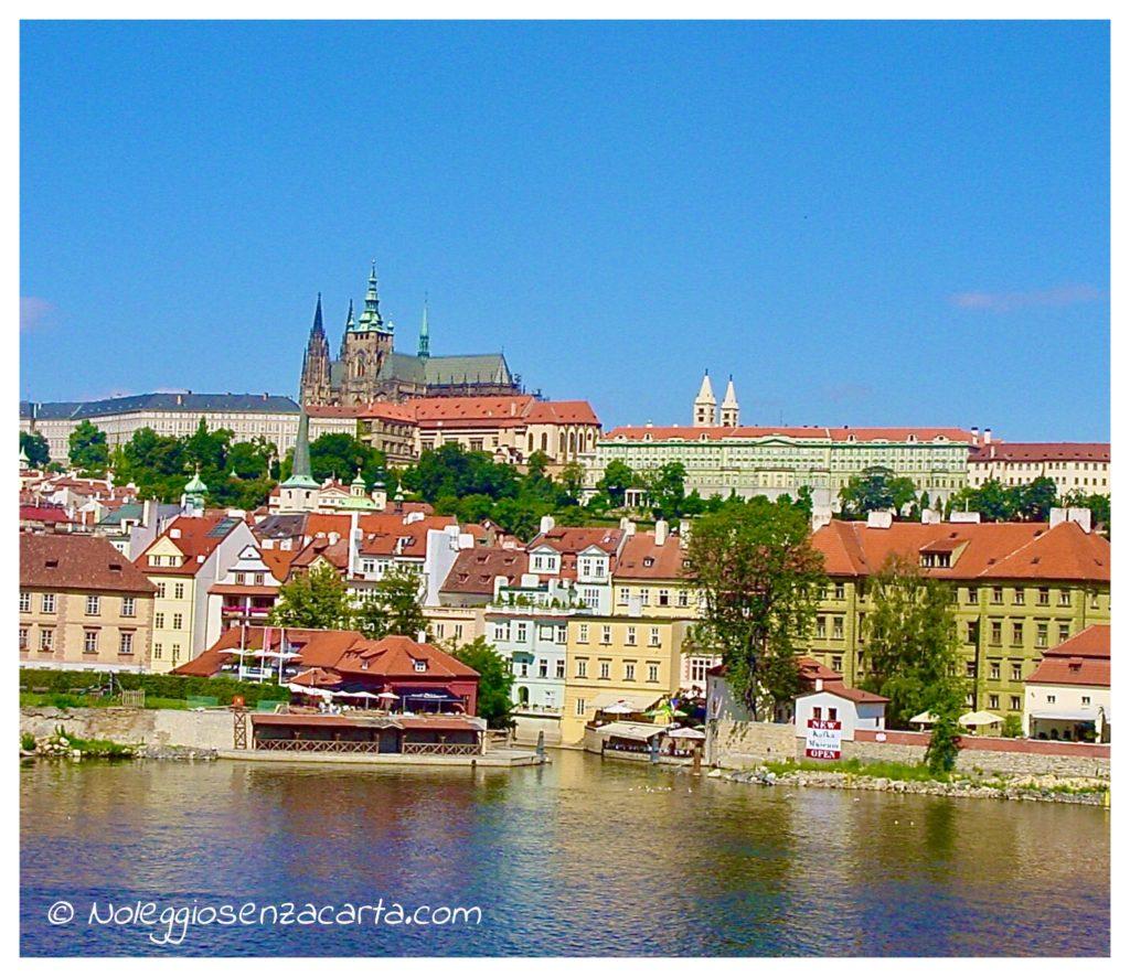 Location voiture Prague sans carte de crédit